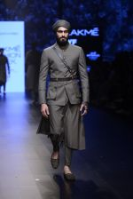 Model walk the ramp for Shantanu and Nikhil Show at Lakme Fashion Week 2016 on 27th Aug 2016 (1811)_57c2d6a58a9b1.JPG