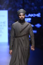 Model walk the ramp for Shantanu and Nikhil Show at Lakme Fashion Week 2016 on 27th Aug 2016 (1823)_57c2d6b725594.JPG