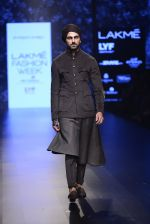 Model walk the ramp for Shantanu and Nikhil Show at Lakme Fashion Week 2016 on 27th Aug 2016 (1834)_57c2d6c757f4b.JPG