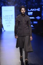 Model walk the ramp for Shantanu and Nikhil Show at Lakme Fashion Week 2016 on 27th Aug 2016 (1836)_57c2d6c9ee53c.JPG