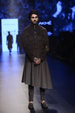 Model walk the ramp for Shantanu and Nikhil Show at Lakme Fashion Week 2016 on 27th Aug 2016 (1840)_57c2d6d0280ce.JPG
