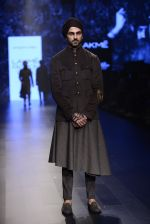 Model walk the ramp for Shantanu and Nikhil Show at Lakme Fashion Week 2016 on 27th Aug 2016 (1841)_57c2d6d1bae91.JPG