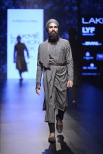 Model walk the ramp for Shantanu and Nikhil Show at Lakme Fashion Week 2016 on 27th Aug 2016 (1844)_57c2d6d6aa891.JPG