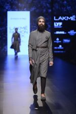 Model walk the ramp for Shantanu and Nikhil Show at Lakme Fashion Week 2016 on 27th Aug 2016 (1845)_57c2d6d88b2be.JPG