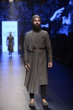 Model walk the ramp for Shantanu and Nikhil Show at Lakme Fashion Week 2016 on 27th Aug 2016 (1851)_57c2d6e0e7a5e.JPG