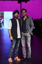Model walk the ramp for Shantanu and Nikhil Show at Lakme Fashion Week 2016 on 27th Aug 2016 (1080)_57c2d16d3364d.JPG