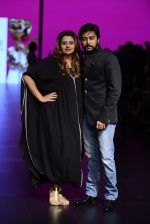 Model walk the ramp for Shantanu and Nikhil Show at Lakme Fashion Week 2016 on 27th Aug 2016 (1089)_57c2d18920b17.JPG