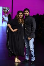 Model walk the ramp for Shantanu and Nikhil Show at Lakme Fashion Week 2016 on 27th Aug 2016 (1095)_57c2d19b92b04.JPG