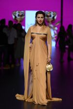 Model walk the ramp for Shantanu and Nikhil Show at Lakme Fashion Week 2016 on 27th Aug 2016 (1186)_57c2d23f68a68.JPG