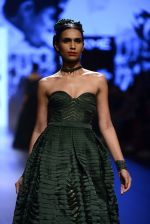Model walk the ramp for Shantanu and Nikhil Show at Lakme Fashion Week 2016 on 27th Aug 2016 (1337)_57c2d330df77f.JPG