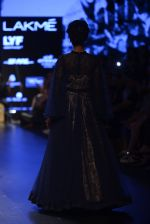Model walk the ramp for Shantanu and Nikhil Show at Lakme Fashion Week 2016 on 27th Aug 2016 (1376)_57c2d3721731c.JPG