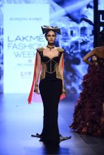 Model walk the ramp for Shantanu and Nikhil Show at Lakme Fashion Week 2016 on 27th Aug 2016 (1460)_57c2d41862889.JPG