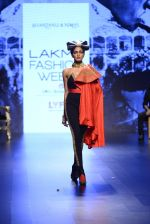 Model walk the ramp for Shantanu and Nikhil Show at Lakme Fashion Week 2016 on 27th Aug 2016 (1538)_57c2d4fab64ba.JPG