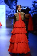 Model walk the ramp for Shantanu and Nikhil Show at Lakme Fashion Week 2016 on 27th Aug 2016 (1562)_57c2d53c830a6.JPG