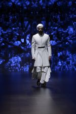 Model walk the ramp for Shantanu and Nikhil Show at Lakme Fashion Week 2016 on 27th Aug 2016 (1708)_57c2d5dd208f8.JPG