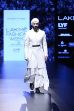 Model walk the ramp for Shantanu and Nikhil Show at Lakme Fashion Week 2016 on 27th Aug 2016 (1710)_57c2d5e3069a0.JPG