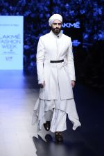 Model walk the ramp for Shantanu and Nikhil Show at Lakme Fashion Week 2016 on 27th Aug 2016 (1715)_57c2d5eace821.JPG