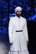 Model walk the ramp for Shantanu and Nikhil Show at Lakme Fashion Week 2016 on 27th Aug 2016 (1716)_57c2d5ecc4bb7.JPG