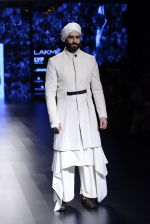 Model walk the ramp for Shantanu and Nikhil Show at Lakme Fashion Week 2016 on 27th Aug 2016 (1719)_57c2d5f956c59.JPG