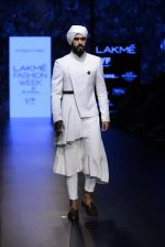 Model walk the ramp for Shantanu and Nikhil Show at Lakme Fashion Week 2016 on 27th Aug 2016 (1739)_57c2d61db84ce.JPG