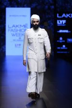 Model walk the ramp for Shantanu and Nikhil Show at Lakme Fashion Week 2016 on 27th Aug 2016 (1750)_57c2d6342ec34.JPG