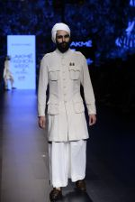 Model walk the ramp for Shantanu and Nikhil Show at Lakme Fashion Week 2016 on 27th Aug 2016 (1756)_57c2d642c9652.JPG