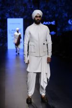 Model walk the ramp for Shantanu and Nikhil Show at Lakme Fashion Week 2016 on 27th Aug 2016 (1770)_57c2d65f6fccb.JPG