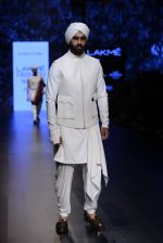 Model walk the ramp for Shantanu and Nikhil Show at Lakme Fashion Week 2016 on 27th Aug 2016 (1771)_57c2d6612e0df.JPG