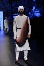 Model walk the ramp for Shantanu and Nikhil Show at Lakme Fashion Week 2016 on 27th Aug 2016 (1781)_57c2d67324c04.JPG