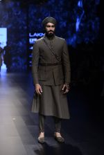 Model walk the ramp for Shantanu and Nikhil Show at Lakme Fashion Week 2016 on 27th Aug 2016 (1817)_57c2d6ae2da92.JPG