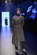 Model walk the ramp for Shantanu and Nikhil Show at Lakme Fashion Week 2016 on 27th Aug 2016 (1828)_57c2d6bdd9731.JPG