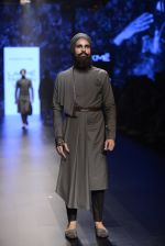 Model walk the ramp for Shantanu and Nikhil Show at Lakme Fashion Week 2016 on 27th Aug 2016 (1853)_57c2d6e430b70.JPG