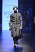 Model walk the ramp for Shantanu and Nikhil Show at Lakme Fashion Week 2016 on 27th Aug 2016 (1854)_57c2d6e60fda7.JPG