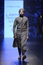 Model walk the ramp for Shantanu and Nikhil Show at Lakme Fashion Week 2016 on 27th Aug 2016 (1855)_57c2d6e71c513.JPG