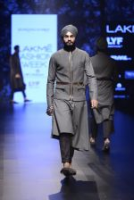 Model walk the ramp for Shantanu and Nikhil Show at Lakme Fashion Week 2016 on 27th Aug 2016 (1856)_57c2d6e889876.JPG