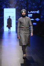 Model walk the ramp for Shantanu and Nikhil Show at Lakme Fashion Week 2016 on 27th Aug 2016 (1859)_57c2d6ee10355.JPG