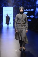 Model walk the ramp for Shantanu and Nikhil Show at Lakme Fashion Week 2016 on 27th Aug 2016 (1860)_57c2d6efed6f9.JPG