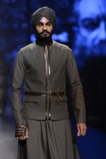 Model walk the ramp for Shantanu and Nikhil Show at Lakme Fashion Week 2016 on 27th Aug 2016 (1862)_57c2d6f31db45.JPG