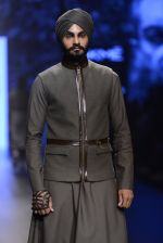 Model walk the ramp for Shantanu and Nikhil Show at Lakme Fashion Week 2016 on 27th Aug 2016 (1863)_57c2d6f5523c2.JPG