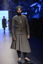 Model walk the ramp for Shantanu and Nikhil Show at Lakme Fashion Week 2016 on 27th Aug 2016 (1864)_57c2d6f6dc494.JPG