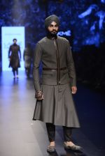 Model walk the ramp for Shantanu and Nikhil Show at Lakme Fashion Week 2016 on 27th Aug 2016 (1865)_57c2d6f827173.JPG