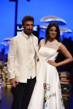 Mugdha Godse, Rahul Dev walk the ramp for Rajesh Pratap Singh Show at Lakme Fashion Week 2016 on 27th Aug 2016 (102)_57c2da74503dd.JPG