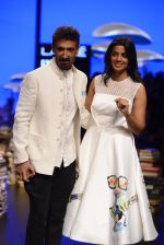 Mugdha Godse, Rahul Dev walk the ramp for Rajesh Pratap Singh Show at Lakme Fashion Week 2016 on 27th Aug 2016 (108)_57c2da7b01ac7.JPG