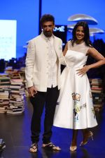 Mugdha Godse, Rahul Dev walk the ramp for Rajesh Pratap Singh Show at Lakme Fashion Week 2016 on 27th Aug 2016 (112)_57c2da84ca275.JPG