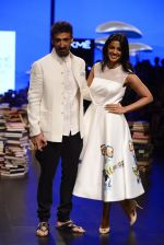 Mugdha Godse, Rahul Dev walk the ramp for Rajesh Pratap Singh Show at Lakme Fashion Week 2016 on 27th Aug 2016 (114)_57c2da89aaae3.JPG