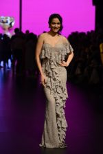 Waluscha de Sousa walk the ramp for Shantanu and Nikhil Show at Lakme Fashion Week 2016 on 27th Aug 2016 (1089)_57c2d1ee31559.JPG