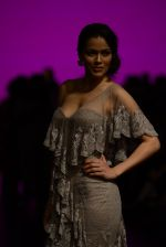 Waluscha de Sousa walk the ramp for Shantanu and Nikhil Show at Lakme Fashion Week 2016 on 27th Aug 2016 (1091)_57c2d1f5025f5.JPG