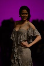 Waluscha de Sousa walk the ramp for Shantanu and Nikhil Show at Lakme Fashion Week 2016 on 27th Aug 2016 (1092)_57c2d1f910ded.JPG