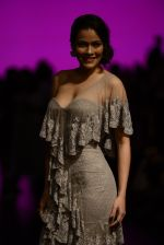 Waluscha de Sousa walk the ramp for Shantanu and Nikhil Show at Lakme Fashion Week 2016 on 27th Aug 2016 (1093)_57c2d1fd7830b.JPG