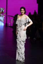 Waluscha de Sousa walk the ramp for Shantanu and Nikhil Show at Lakme Fashion Week 2016 on 27th Aug 2016 (1097)_57c2d20c74325.JPG